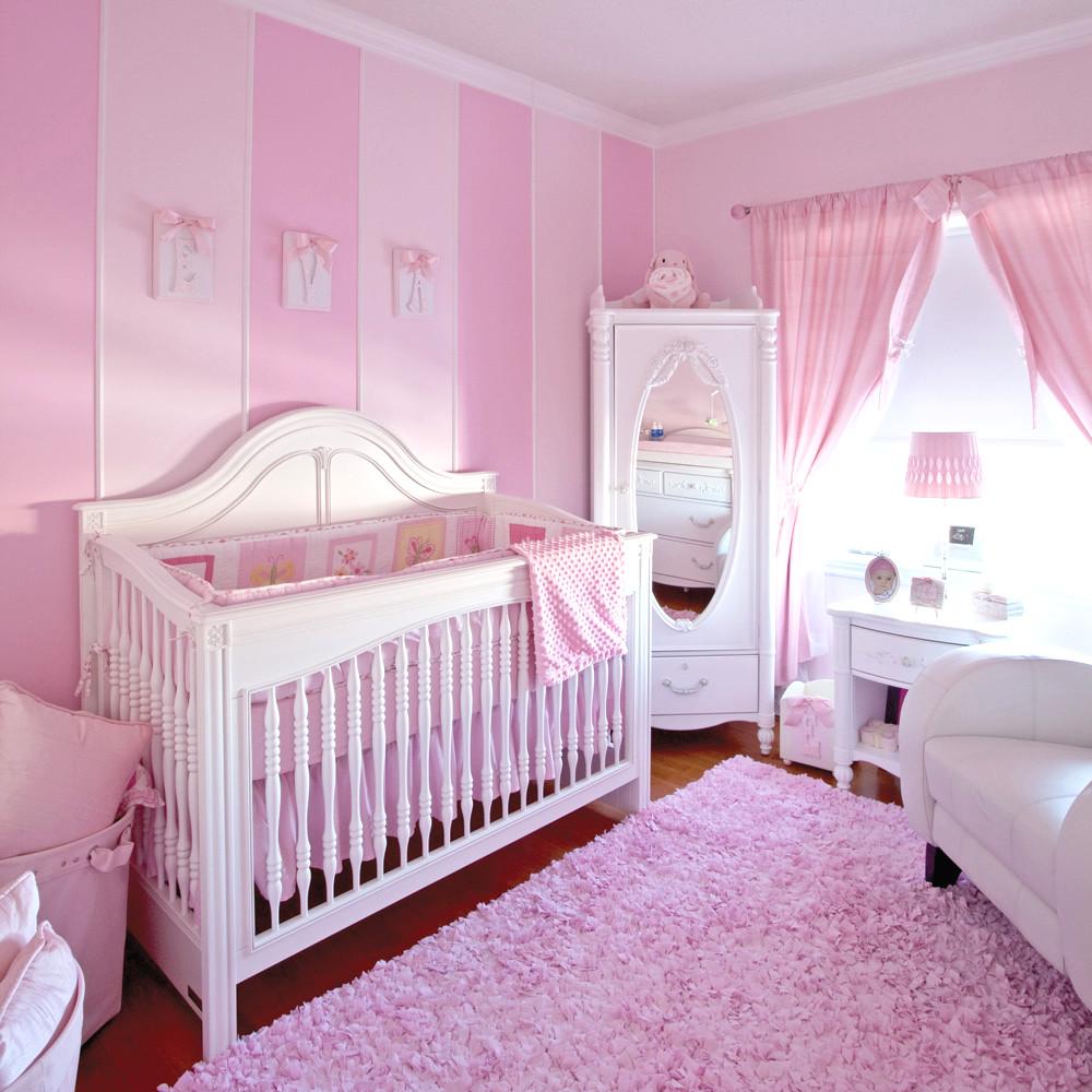 Tableau chambre bébé : est-ce important ?